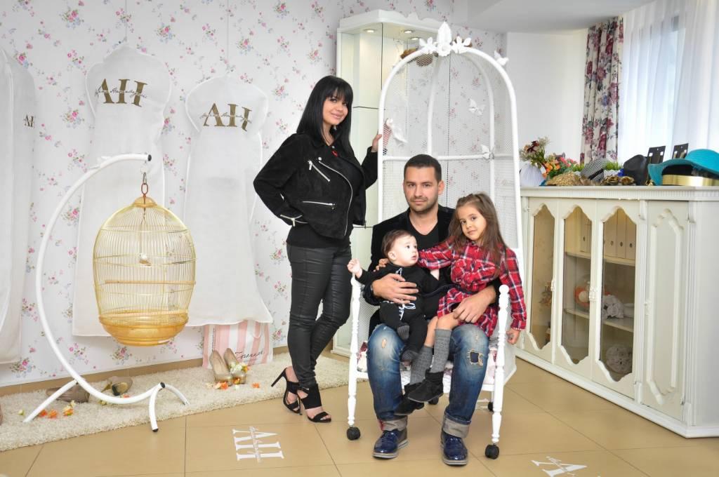 Porodica na okupu u Amininom ateljeu (Foto: Emir Mehović)