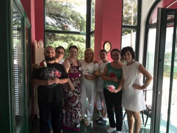 Sa ekipom iz poslastičarnice iz Skoplja čiji je bila gost