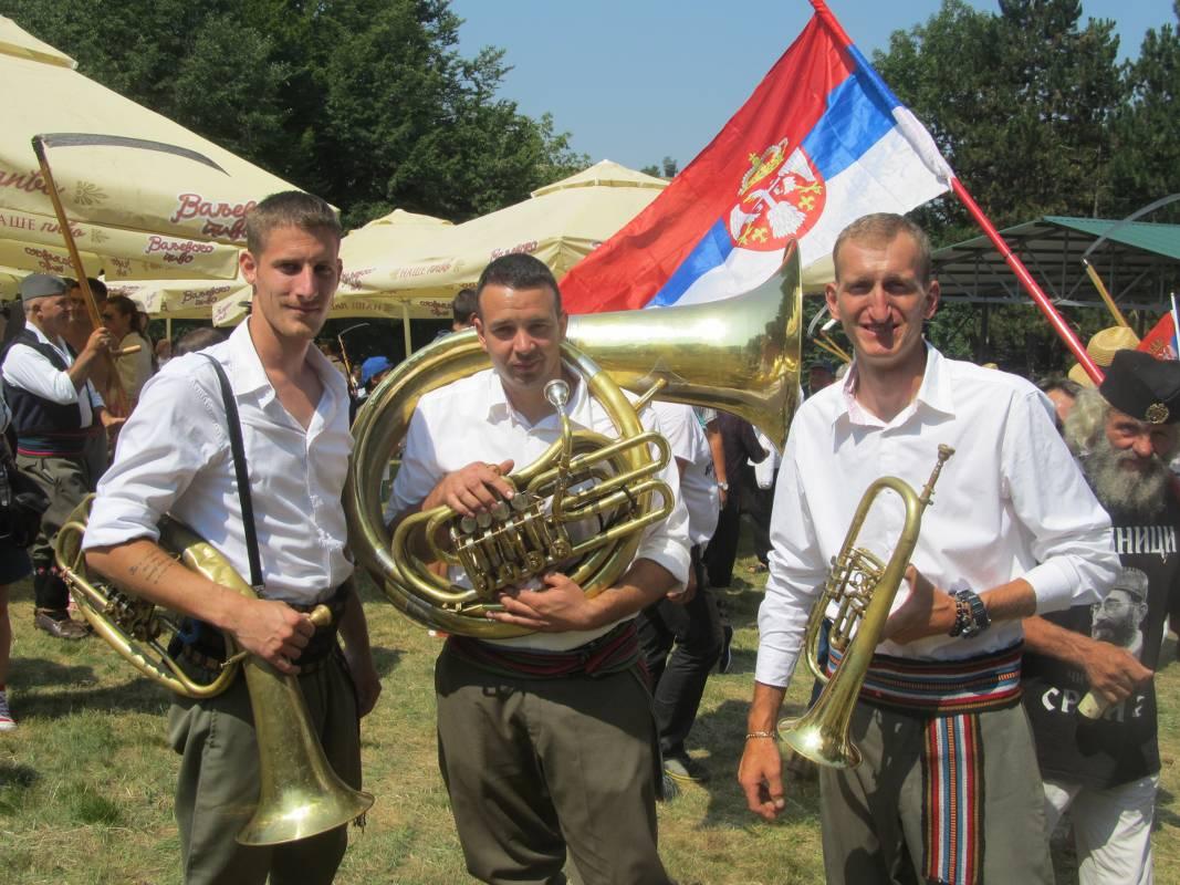 Trubači iz grupe Etno-art iz Koštunića pozvali su me da posetim njihovo poznato selo