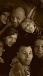 Milica Andjelic sa porodicom